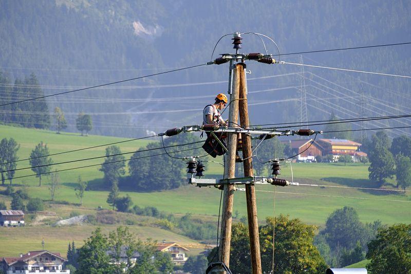 Electricista o ingenieros de líneas eléctricas